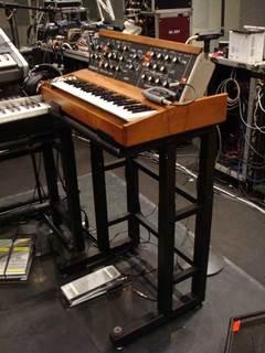 minimoog_stand.jpg